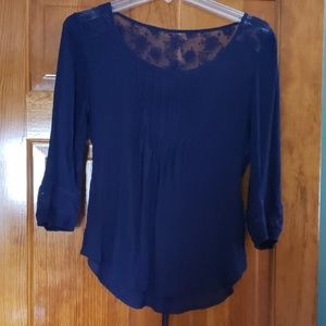 🎆 3 for $20 as marked E M Lightweight top NWOT